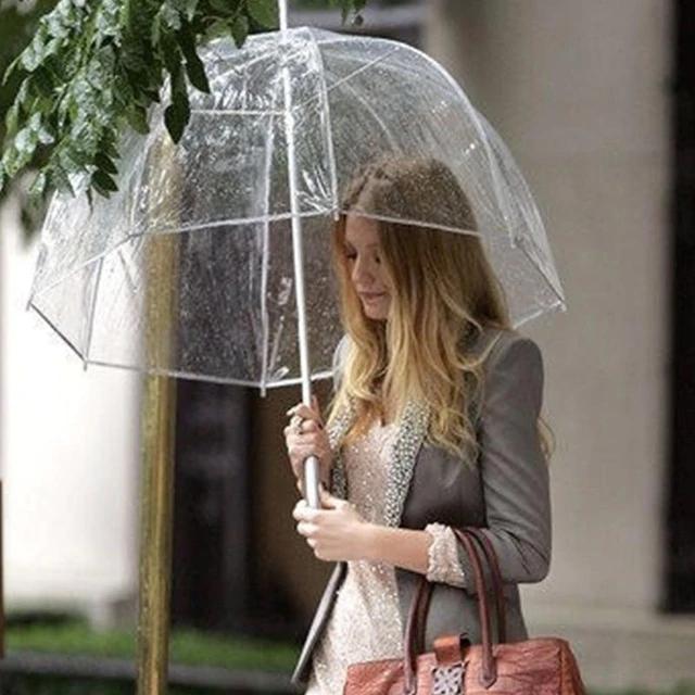 Tendência para 2019 - Guarda chuva de plástico transparente