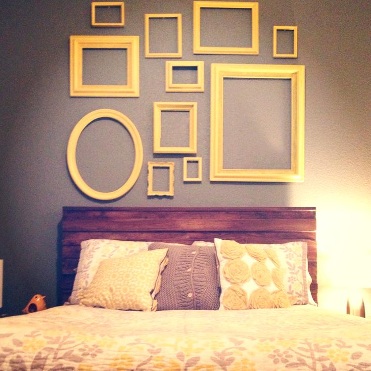 Decoração do quarto - molduras amarelas