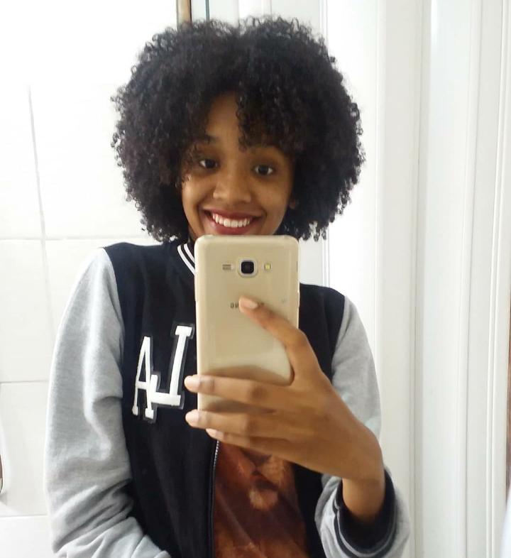 Elis Cecilia Blog - 4 formar de usar óleo vegetal nos cabelos