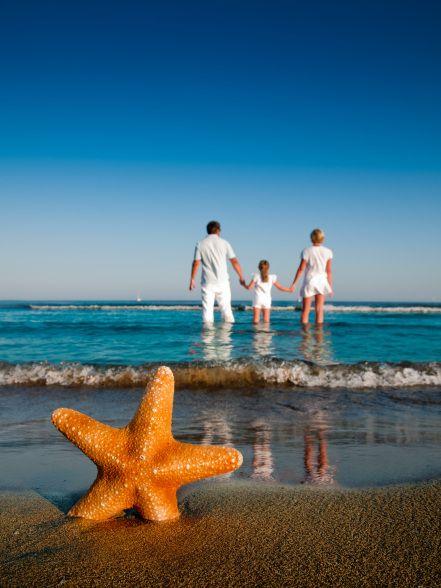 Foto criativa de família na praia - Elis Cecilia Blog