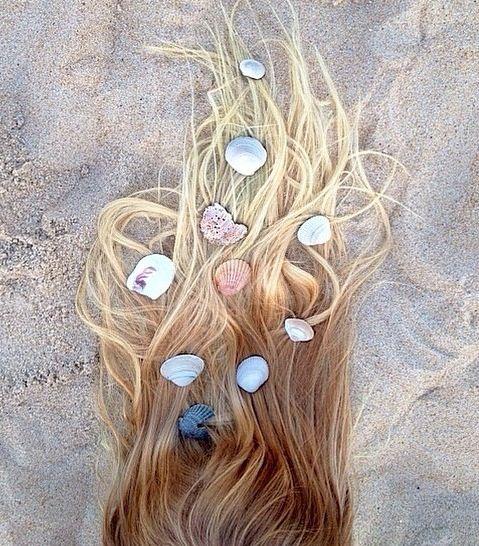 Foto criativa com conchas no cabelo - Elis Cecilia Blog