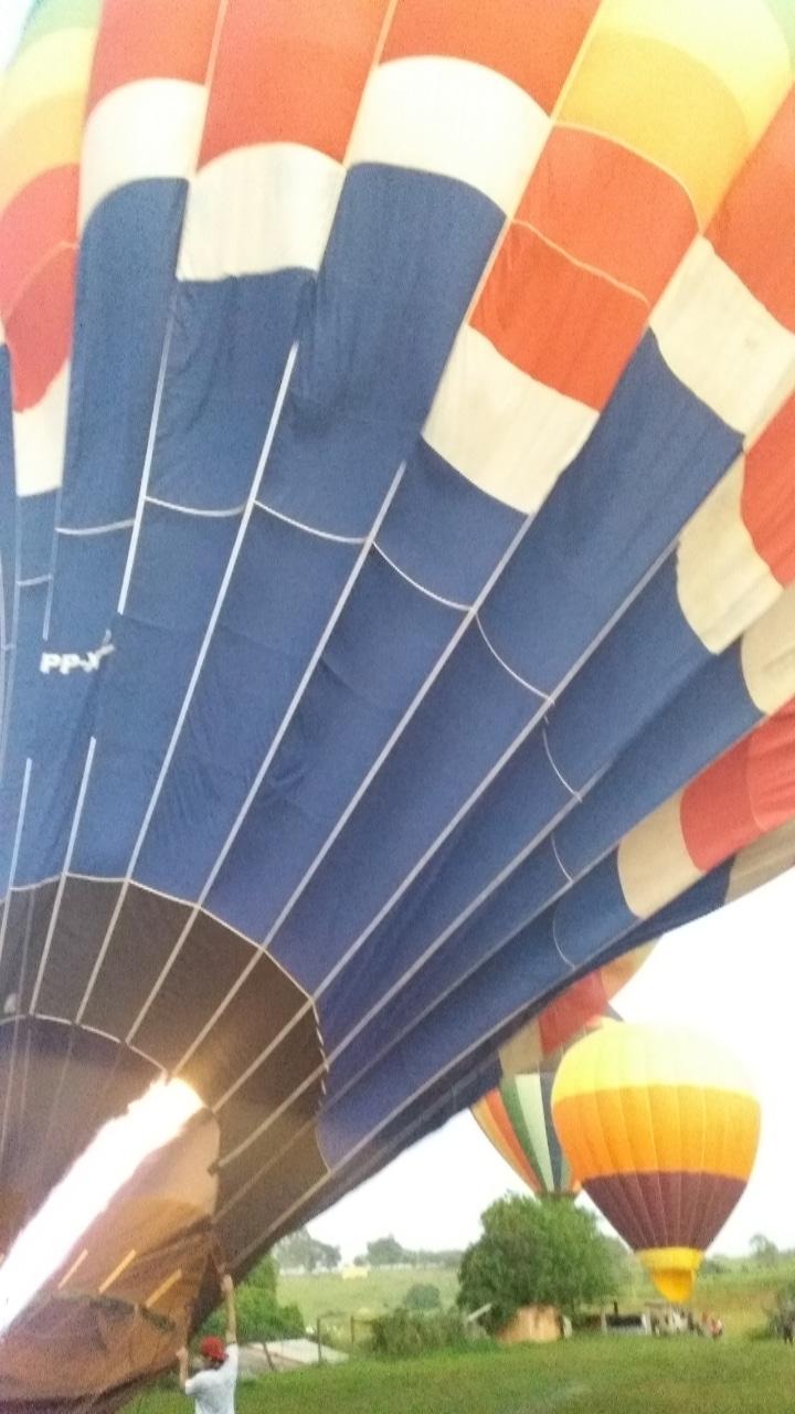 Balões se preparando para vôo - Elis Cecilia