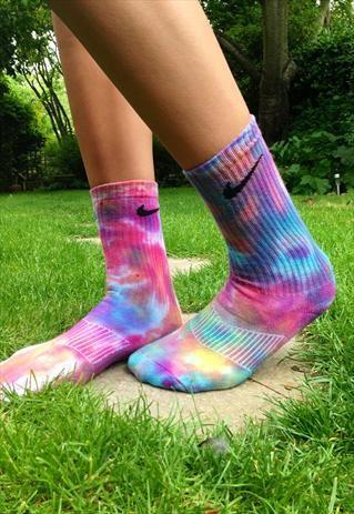 meias-tie-dyee