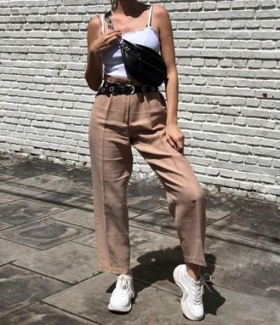 Look do Dia: Calça de Alfaiataria com Blusa Branca de Alcinha - Elis Cecilia Blog