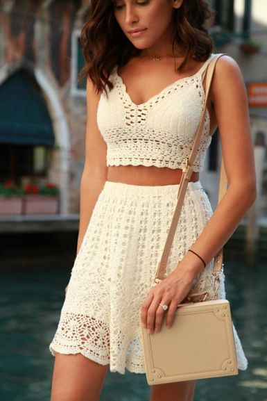 Conjunto Cropped e Saia de Crochê (handmade) tendência para o Verão 2020