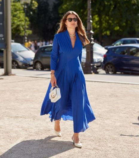 Vestido Classic Blue longo com decote V - Elis Cecilia Blog