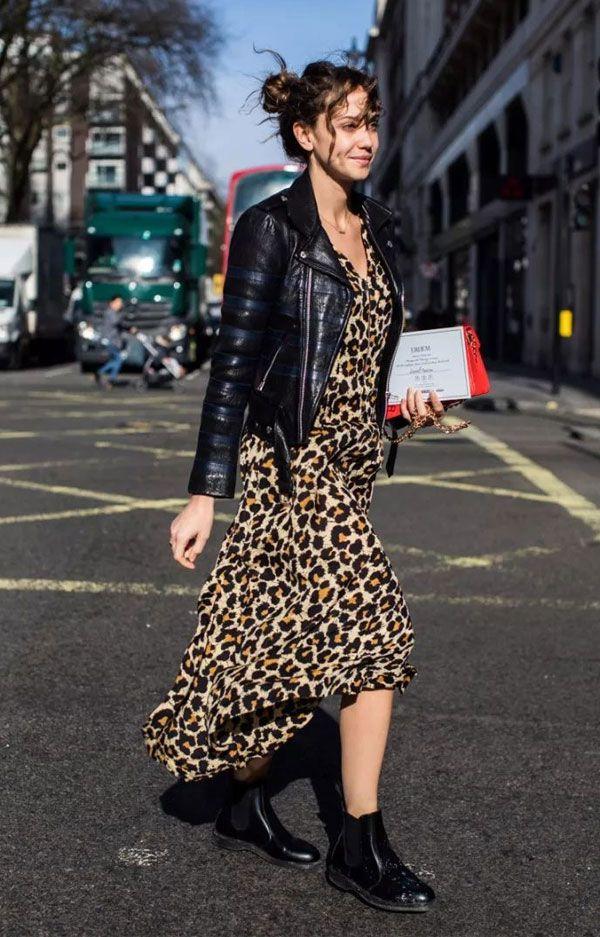 Vestido longo de oncinha com jaqueta de couro - Look estiloso para o inverno