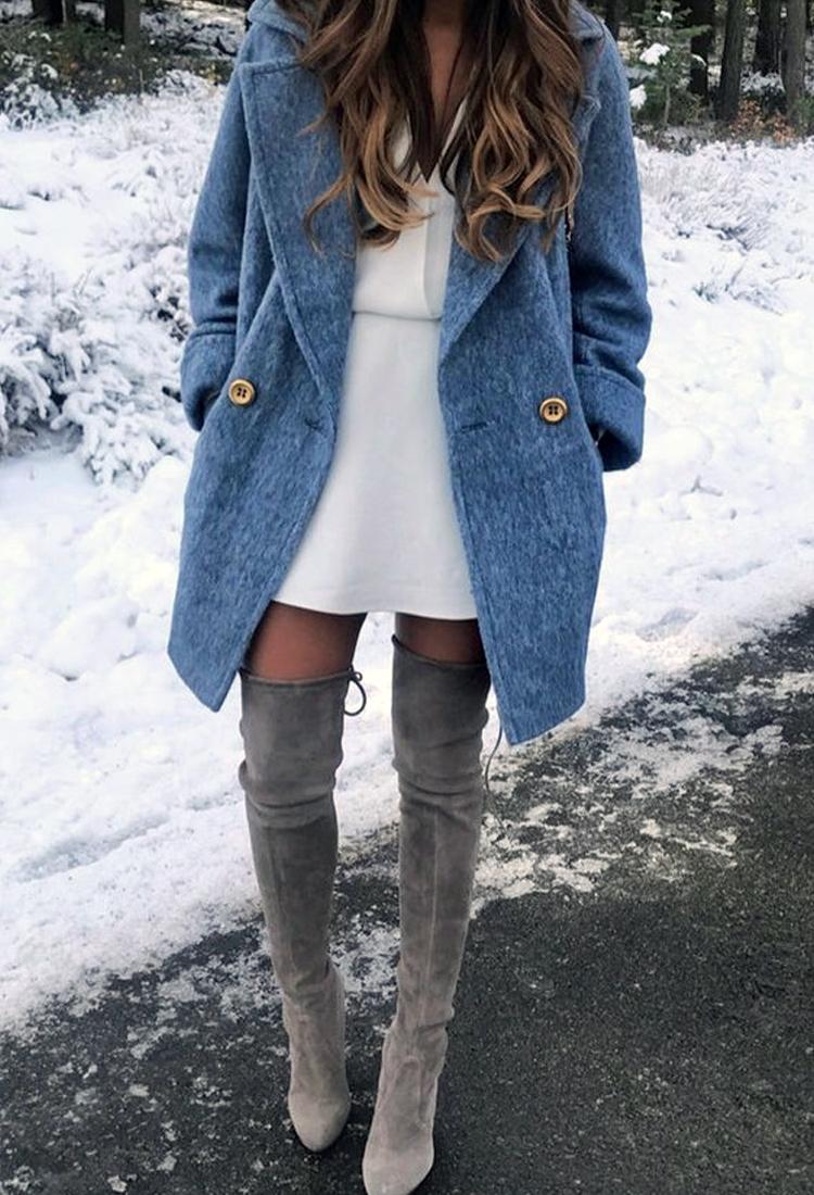 vestido-e-bota-vestido-com-bota-cinza-bota-de-camurça-over-the-knee-vestido-branco-casaco-azul